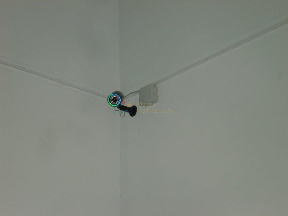 Камера на складе с ИК-подсветкой